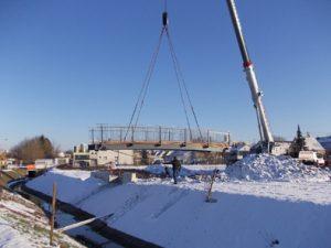 Neue Brücke über Erbbach in Illingen